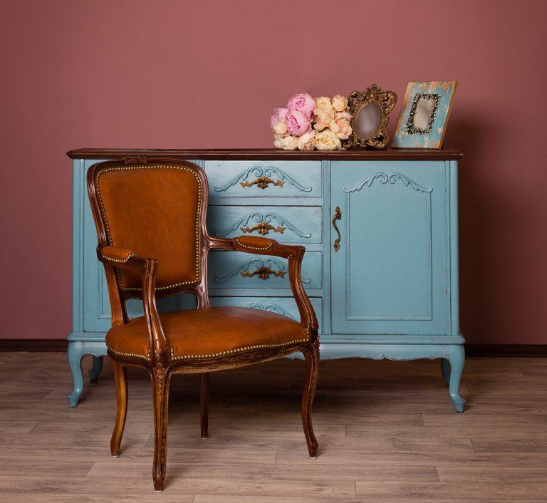 antikke møbler dating Tilslut adapteren kontinentalt